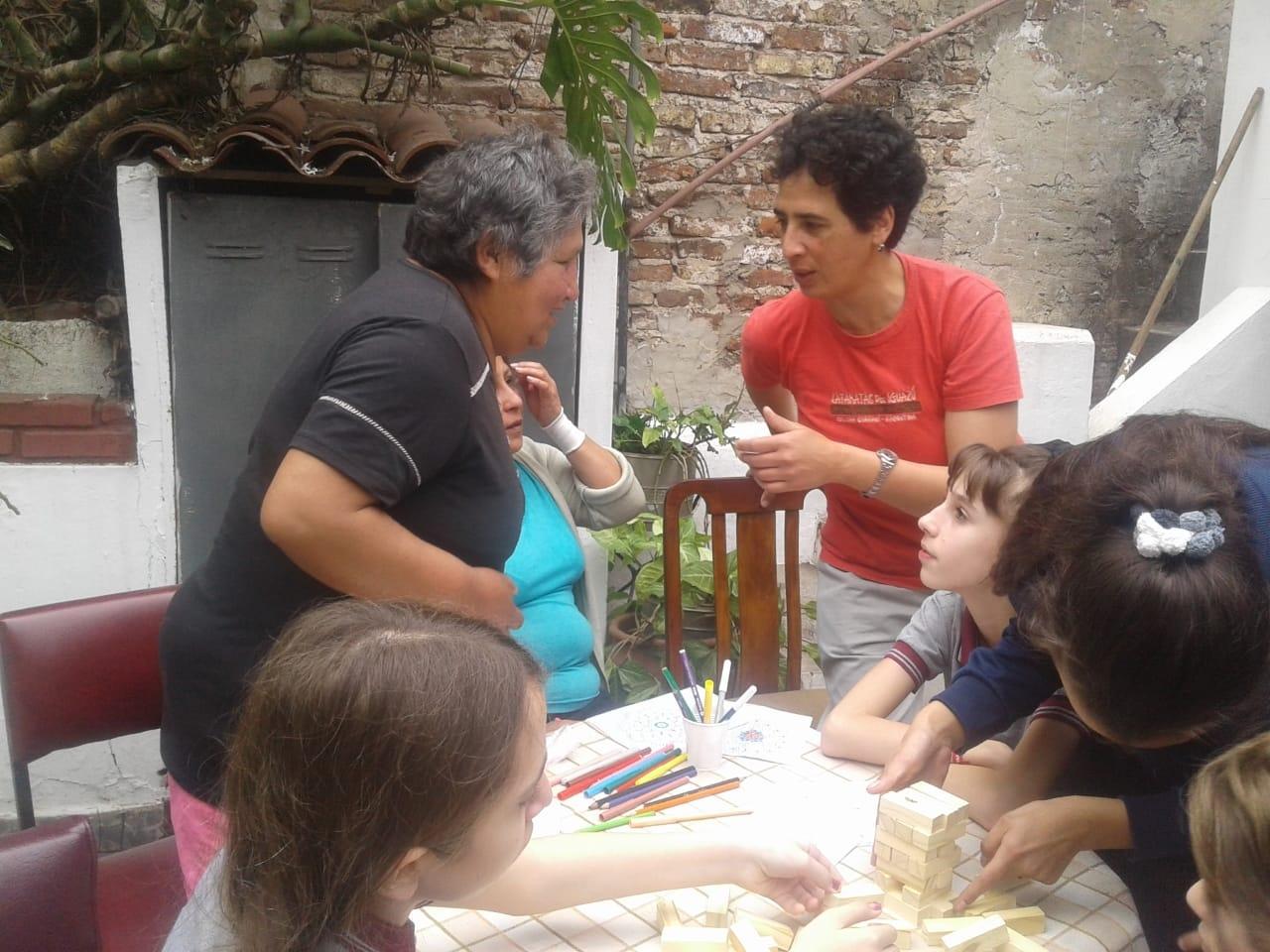 compartiendo-la-maana-con-abuelas-y-abuelos_43135130900_o