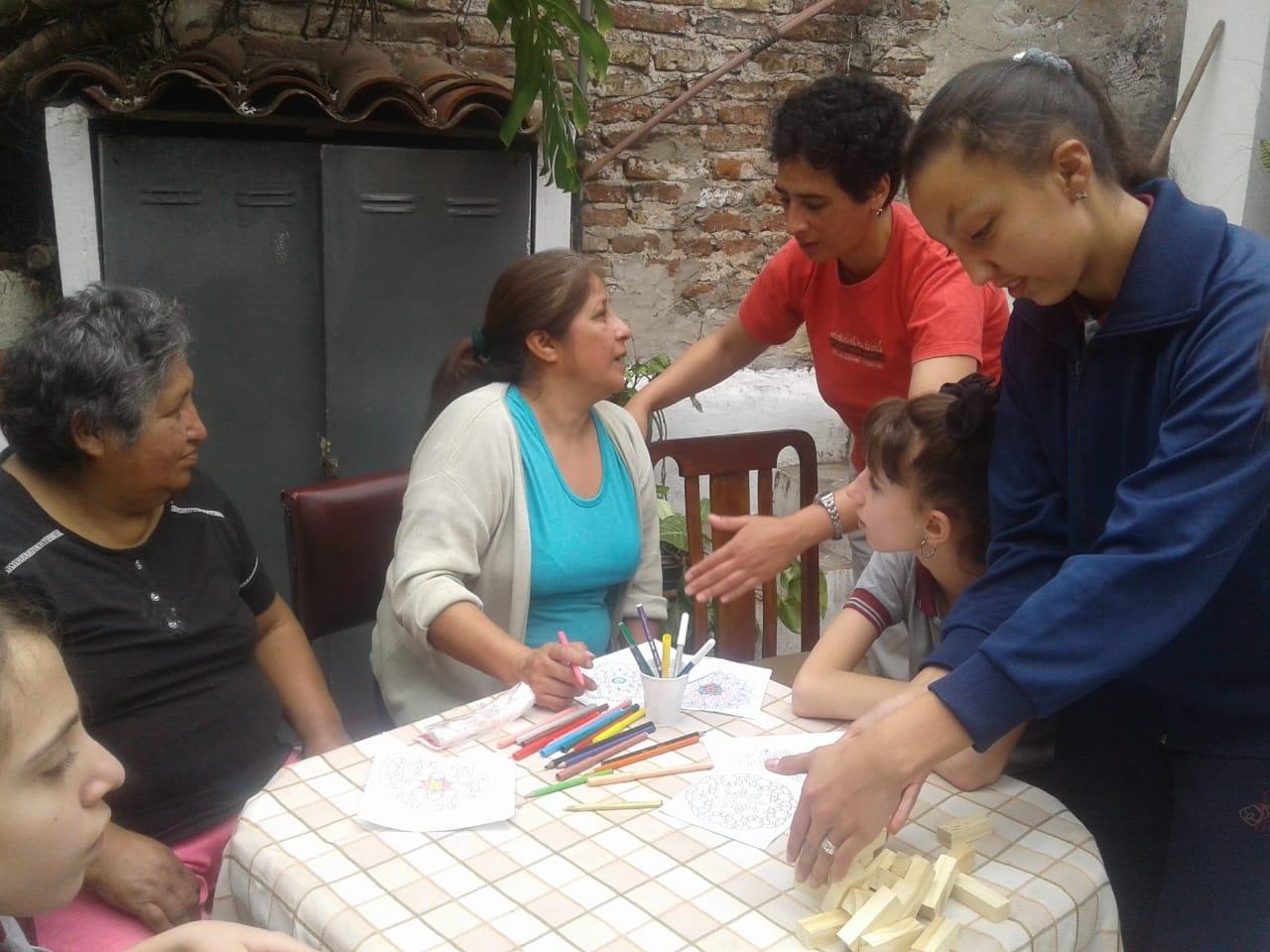 compartiendo-la-maana-con-abuelas-y-abuelos_44227423364_o