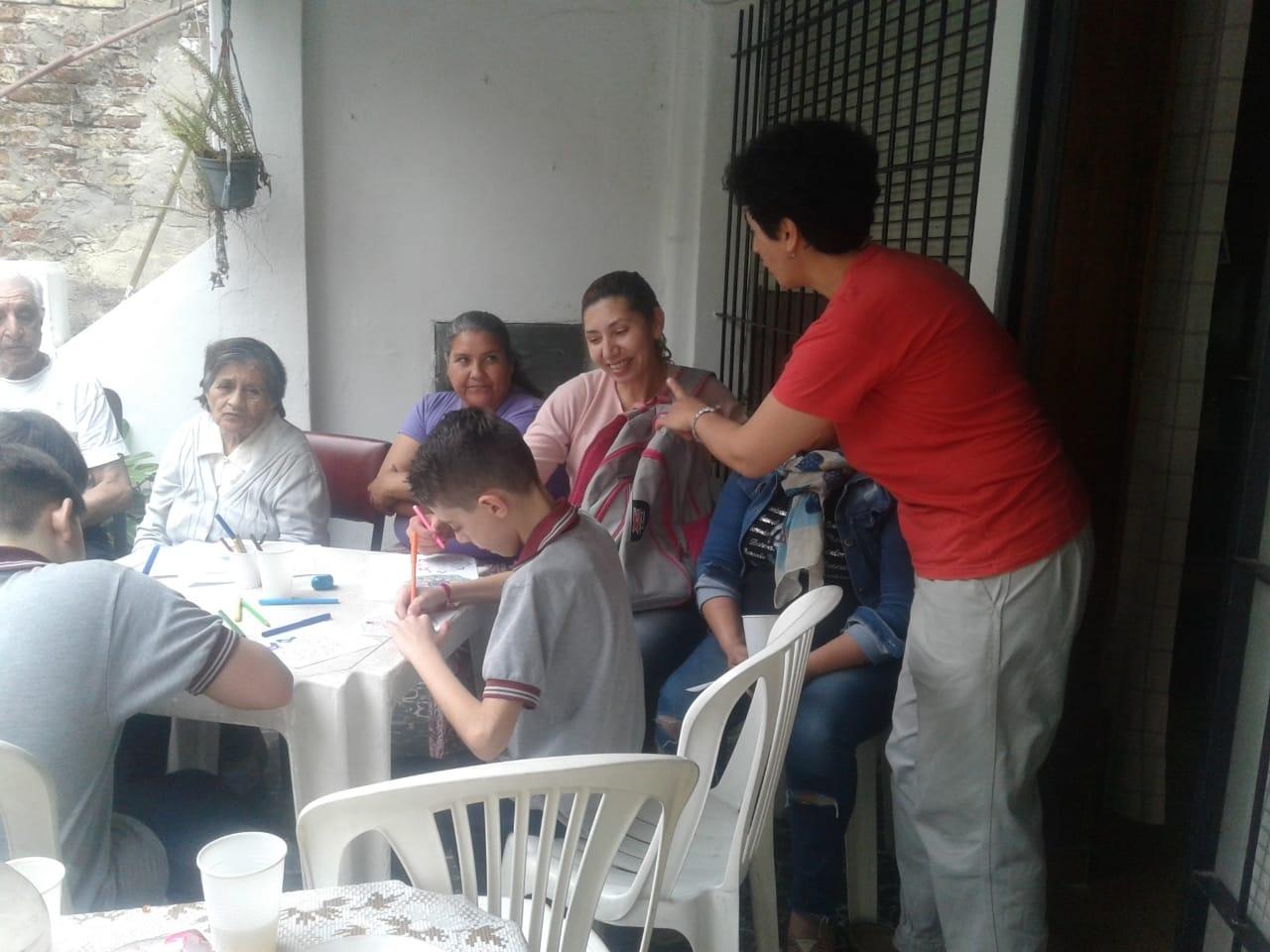 compartiendo-la-maana-con-abuelas-y-abuelos_44227435134_o